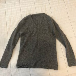 Sweaters - Grey V-Neck sweater
